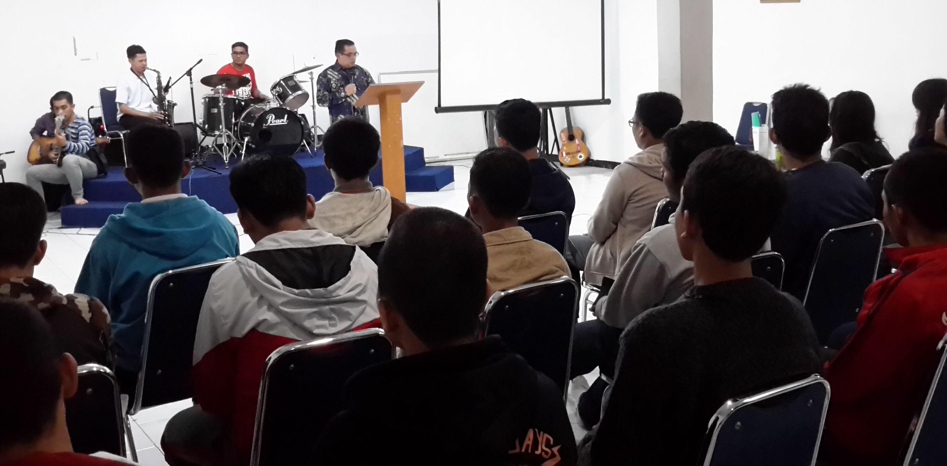 Khotbah di Retret Sidi HKBP Kota bumi -Tangerang .DI PUNCAK 15 MEI 2015